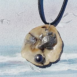 2412T0-083 Pendant, SilverBronze Sea-turtle, beautiful  anomia shell+ sweetwater pea