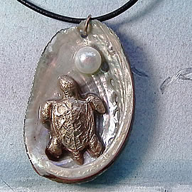 242T1-033 Pendant-Bronze Sea-turtle, beautiful haliotis shell+sweetwater pearl