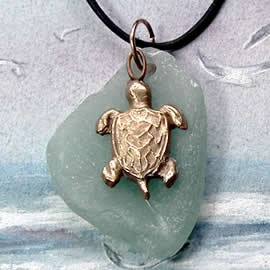 242T-048 Goldy bronze Turttle and Seaglass Pendant