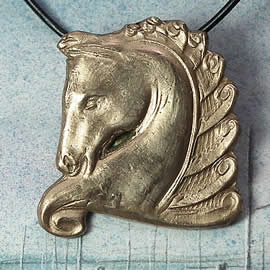 622O-015 Necklace bronze Horse head on a black leather strap