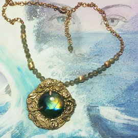 H22X-019-Handmade Bronze necklace with a round  Labradorite and labradorite  beads