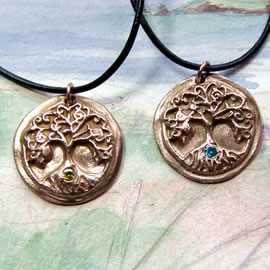 a42a2-051Pendant Yggdrasil, the celtic tree of life+a zirconia(8 colours possible)