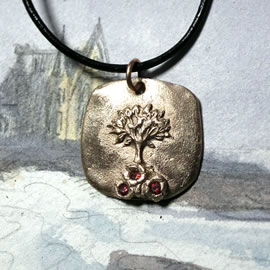 a42a6-061 Yggdrasil Pendant, Celtic tree of ife in bronze+3 red C. zirconia,leather strap