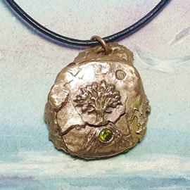 a42a7-022 Bronze pendant, meteorite+ Yggdrasil the celtic tree of life+ green zirconia