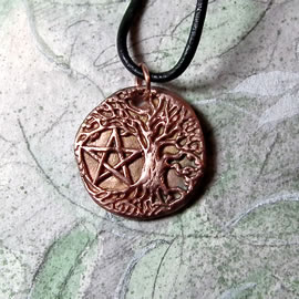 a43bp-067 Pendant little  Yggdrasil, celtic tree of life with a pentagram in copper