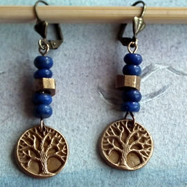 a62a8-012 Gold colour Bronze earrings yggdrasil, the celtic tree of life+ lapis lazuli