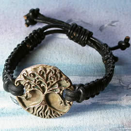 a72b1-001 Ajustable Bronze hand made  Yggdrasil  bracelet  with a leather macrame