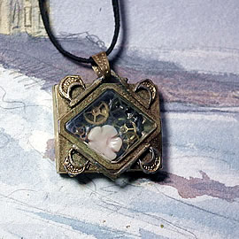 b-4hA-049 little tomantic steampunk pendant/wristwatchcase, cogs, coral flower