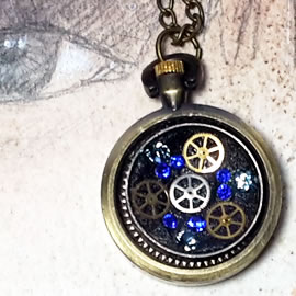 b-4hz0-013 steampunk pendant little  bronze colour watchcase, mecanism and blue swarovski