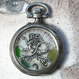 s0h11-034 Pendant beachcombing treasures, mermaid & pearls in an old pocket watch case