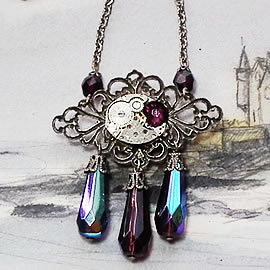 b2fD-033 Reversible SteampunkNecklace filigree,cristal,mmecanis,gears resin