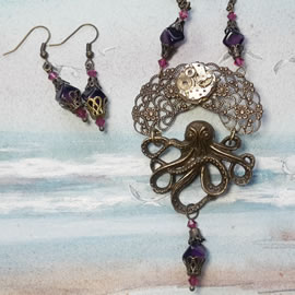 22fV1-017 Steampunk-gothic Necklace bronzecolour filigree & octopus, mecanism & vintage be