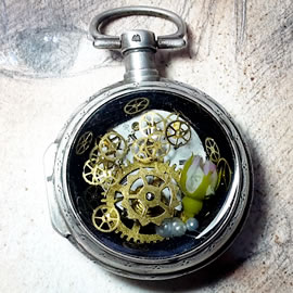 b4hA-020-Romantic Steampunk Pendant gears,dial, rose, resin, vintage pocket watchcase