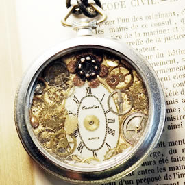 b4hzc-042-Steampunk Pendant gears,dial and resin in an   old pocket watch case
