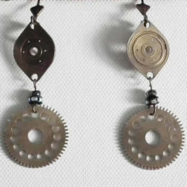 b6fe-021 SteampunkEarrings gears, crystal strass