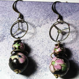 b6fe-029 Steampunk Earrings gears, 4 ceramic beads black with  ink fowers