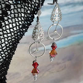 b6fe2-038 Steampunk Earrings silver colour gear & fiigree, red crystal Swarovski  beads