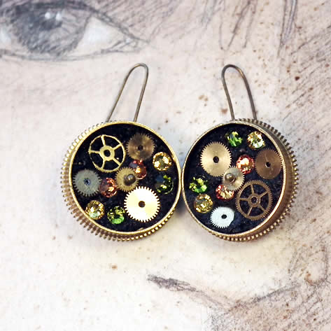 b6fi-005 Steampunk earrings, gustav Klimt style  gears,  resin & swarovski cabs