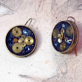 b6fi-006 Steampunk earrings, gustav Klimt style  gears,  resin & blue swarovski cabs