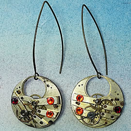 b6fk-043 steampunk earrings, gustav Klimt style gears, resin, red and orange swarovskic ca