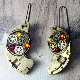 b6fk1-008 Steampunk earrings, gustav Klimt style  gears, resin &   red swarovski