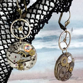 b6fm-037 Earrings with watch mecanisms, gears  and Swarovski crystal cabs