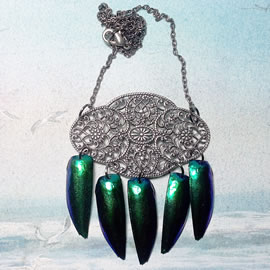 d2w1-002-little necklace blue green beetlewings and gunpowder filigree
