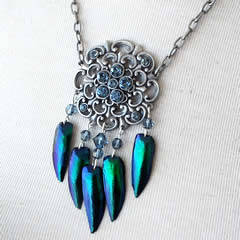 d2wj-011 Necklace Bluish beetlewings+swarovski beads & cabochons