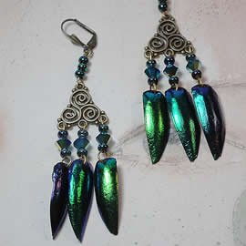 d6b3-042 Earrings beetlewings, bronze colour triskel+ Swarovski beads