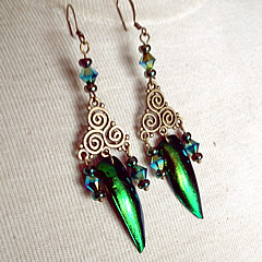 d6b1-004 Earrings beetlewings, bronze colour triskel+ Swarovski beads