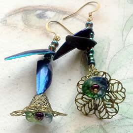 d6bA-026 Earrings beetlewings+ Swarovski beads +bronze color filigree stampings