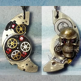 f4cq-025 little Pendant steampunk-gothic  skull, resin,cogs,gears,watchparts