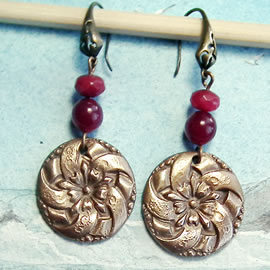 g62a-017 Round Earrings in bronze, classical style+treated ruby roots beads