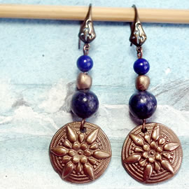 g62a-016 Earrings in bronze, classical style with  lapis lazuli beads