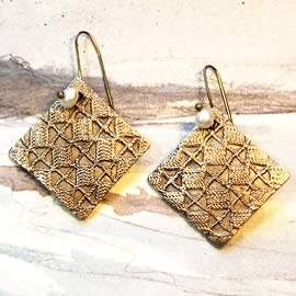 h62a4-001 square earrings in  lace patterns bronze & sweetwater pearls or other stones