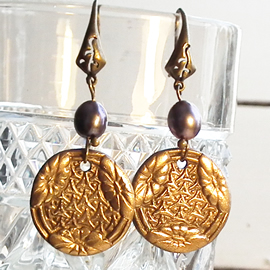 h62a-004 Round bronze earrings in  art nouveau style+sweet ater pearls