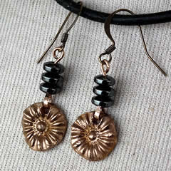g62a-008 Earrings bronze+hematit beads, antic style