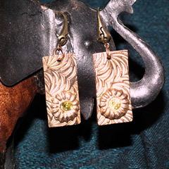 h62a3-018 Earrings bronze+ lemon green zirconia