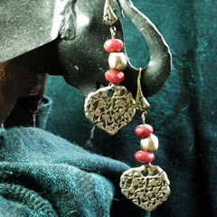 i62a-002 Earrings bronze leave and enhanced ruby beads