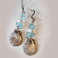 262c-001-Bronze earrings, Aquamarin splitters  & freshwater pearls