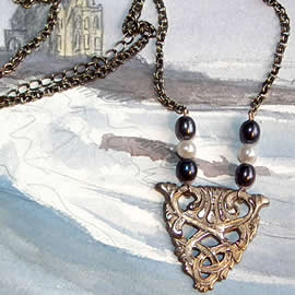 j22a-021 Necklace :  bronze  celtic  and 6  sweet water pearls