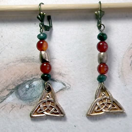 j62a1-026 goldcolor earrings  hand made, Celtic knot, cornelian, emerald and bronze beads