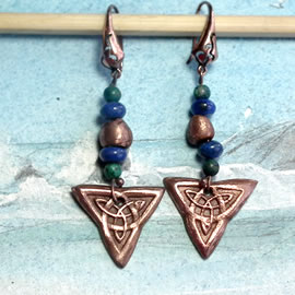 j63a2-016 Copper earrings     hand made, Celtic knot, lapis lazuli and azurit beads