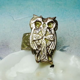 j92C-033 Goldbronze Ring  celtic cross/owl/2 herons  in silvrbronze or coppr possibl