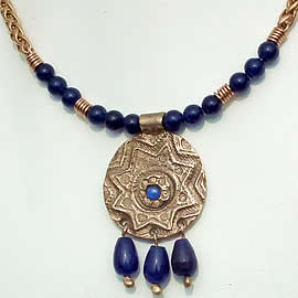 k22a-003 Necklace Moorish bronze-blue corindon & blue agat beads and drops