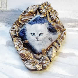 5f2p4-004 Miniature Kitten enamel paint on enameled copper bronze frame