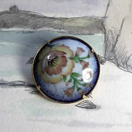 m35B.013 romantic Enamel brooch/necklace , vintage style, with decal   flowers