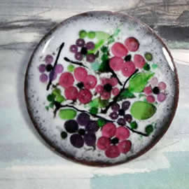 m36A-030 Romantic necklace/brooch in enamel with your colour+white base, your flowers