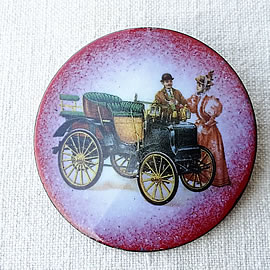 m36B-030 romantic Enamel broochs/necklaces , vintage style, with oldtimer  decal