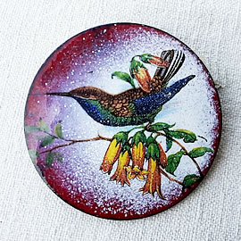 m36B-039 romantic Enamel broochs/necklaces , vintage style, with bird  decal